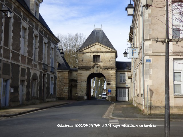 Porte de Chinon Richelieu 37
