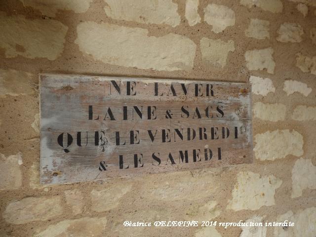 Panneau au lavoir entre Glénouze et Ranton