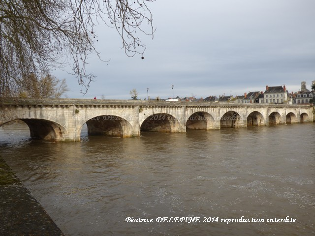 Chatellerault, le pont Henri IV (sur la Vienne)