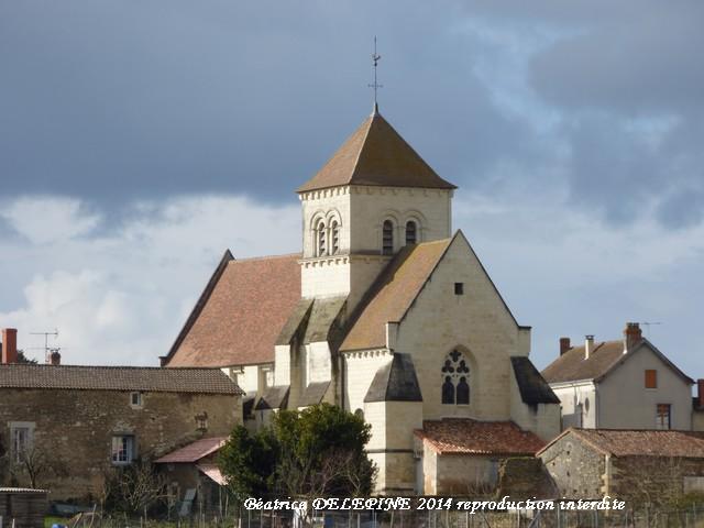 Eglise de Savigny sous Faye depuis le Ligne Verte 86