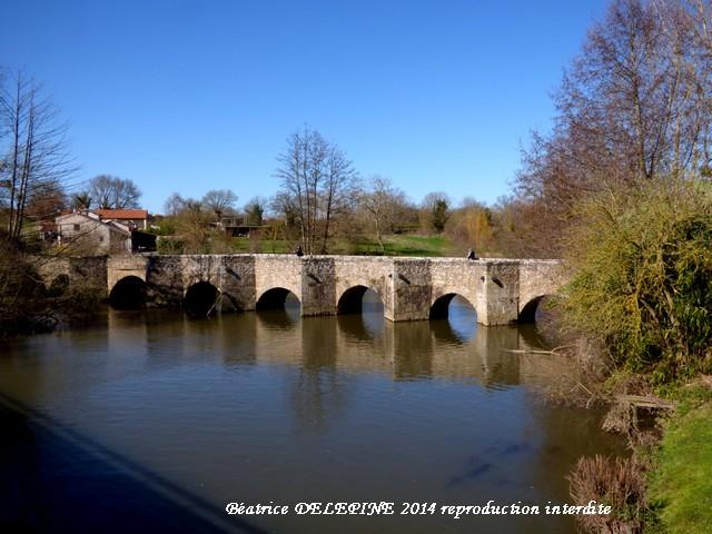 vieux pont de Gourgé 79